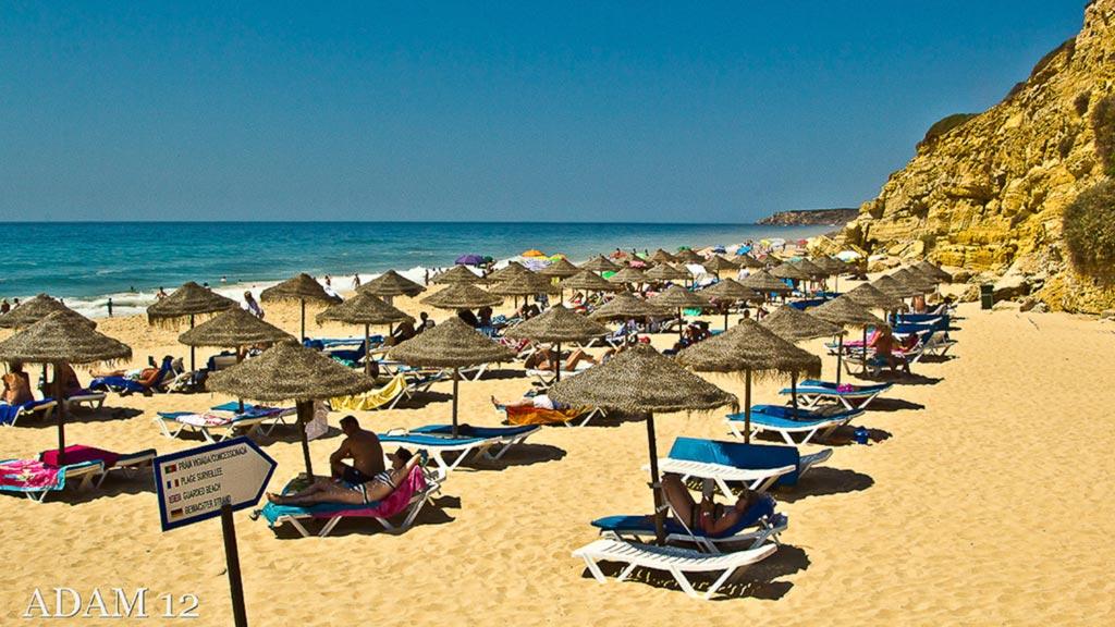 beach-in-salema