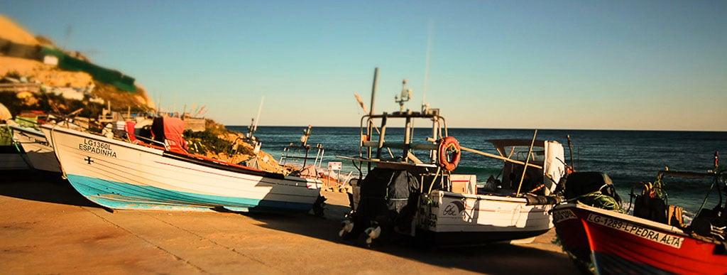 boats-salema-harbour
